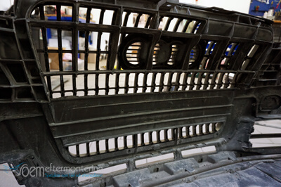 Göra plats i audi grillen för LED-ramp