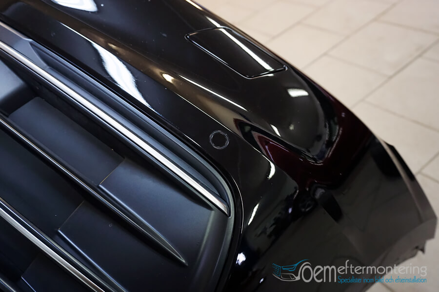 Pressa hål för sensorerna i Audi original
